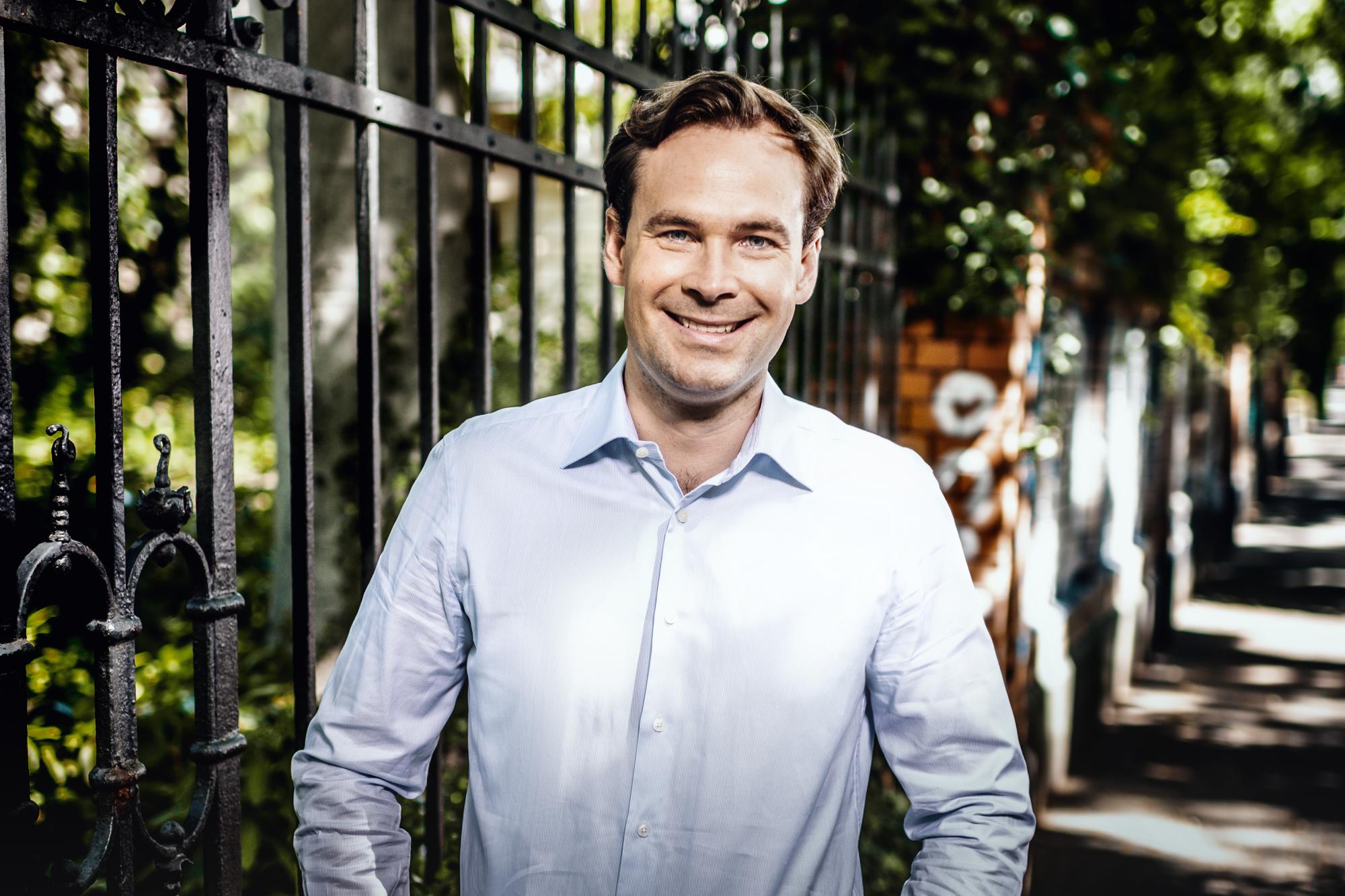 Dr. Florian Bader